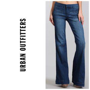 UO SILENCE + NOISE Wide Leg Dark Blue Jeans